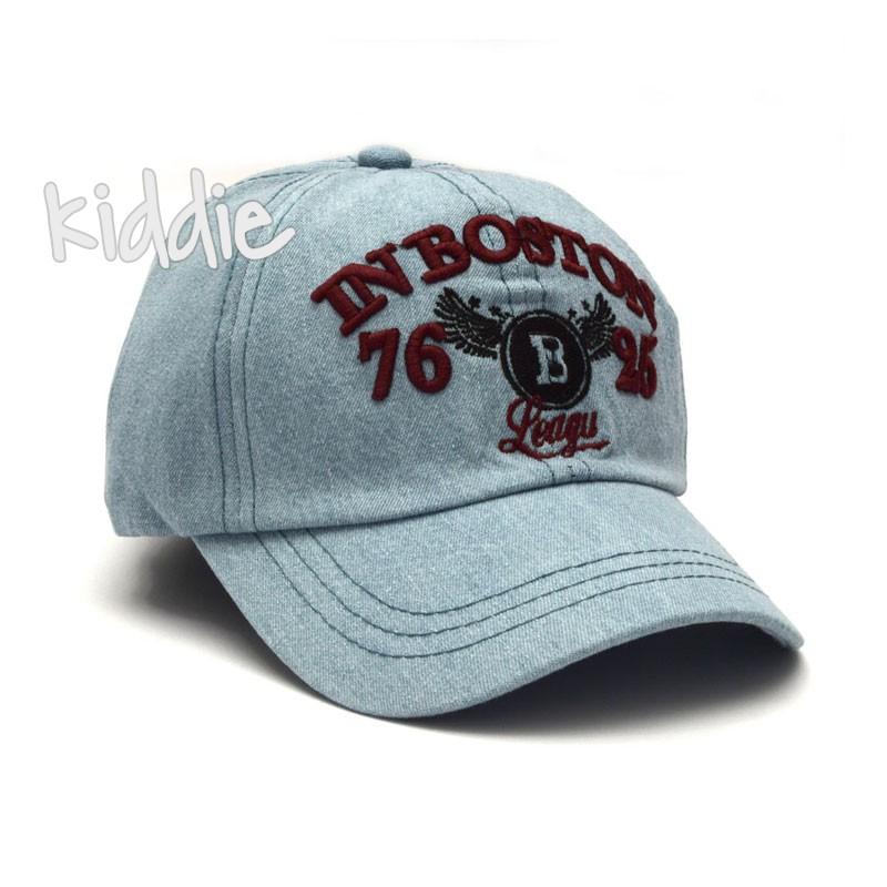 Детска дънкова шапка Kitti за момче с бродерия