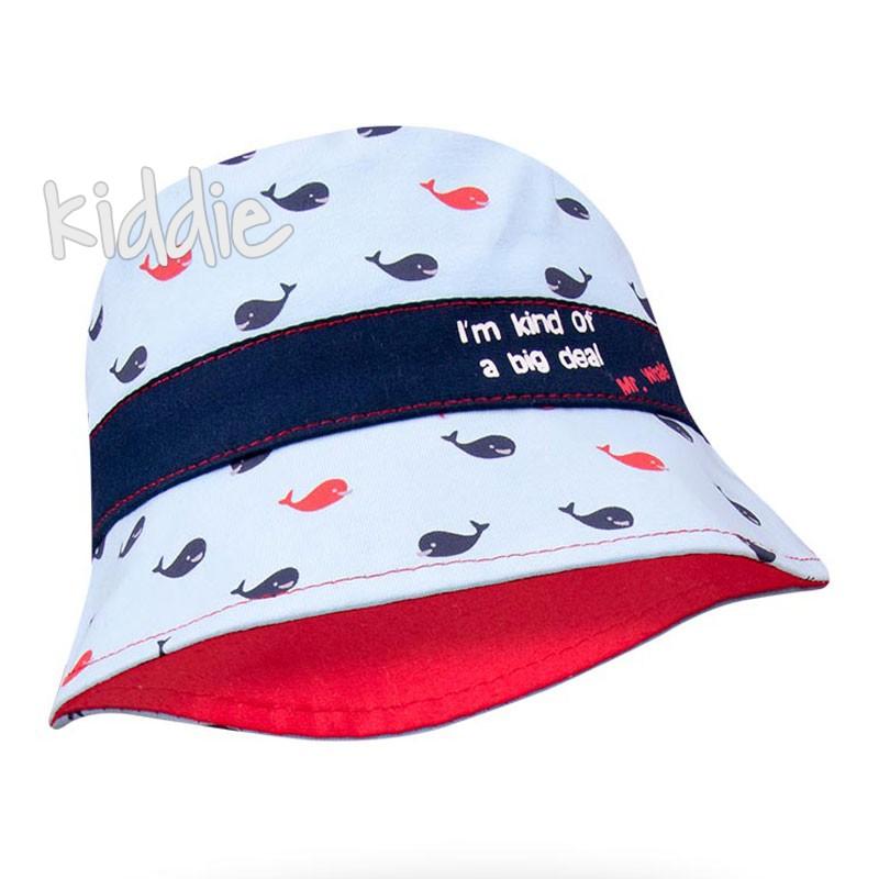 Бебешка шапка EAC за момче с китове