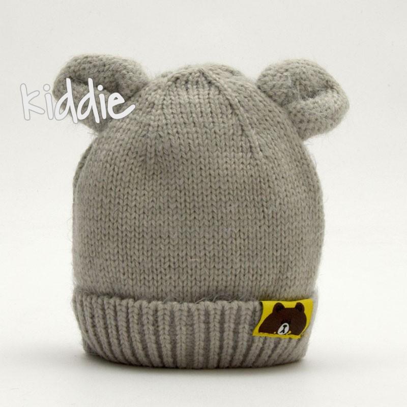 Бебешка плетена шапка с уши